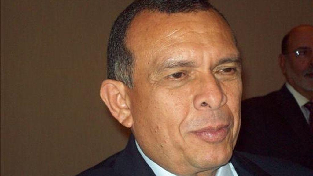 El presidente de Honduras, Porfirio Lobo, no ha sido invitado a esta cumbre que se celebra los días 3 y 4 de diciembre en Mar del Plata (Argentina), pues su país sigue suspendido en la Organización de Estados Americanos (OEA) debido al golpe del 28 de junio de 2009. EFE/Archivo