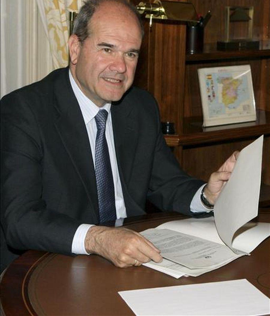 El vicepresidente tercero y titular de Política Territorial, Manuel Chaves. EFE/Archivo