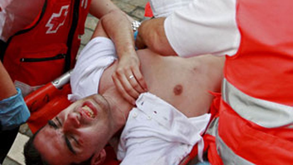 Uno de los mozos fue herido por asta de toro. Vídeo: Informativos Telecinco.