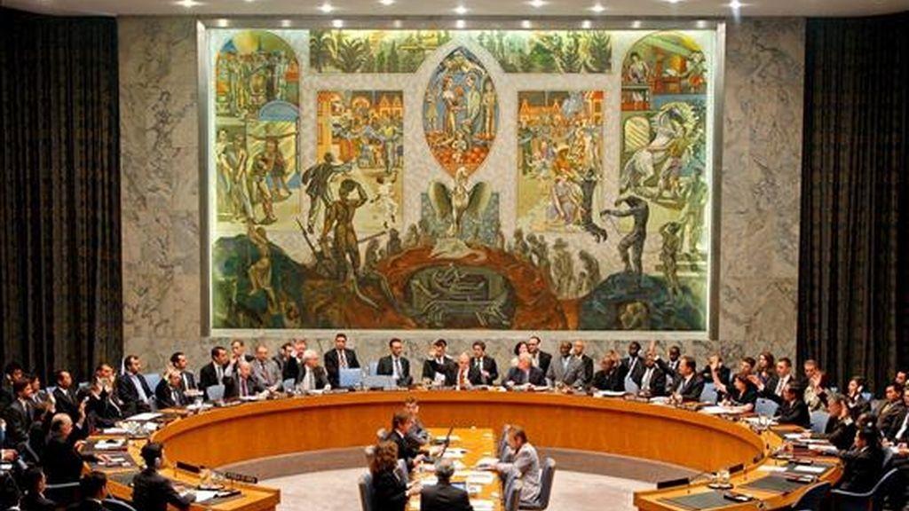 La resolución impone nuevas sanciones al régimen comunista de Pyongyang, incluidas de carácter económico, así como de prohibición de importación de armas. EFE