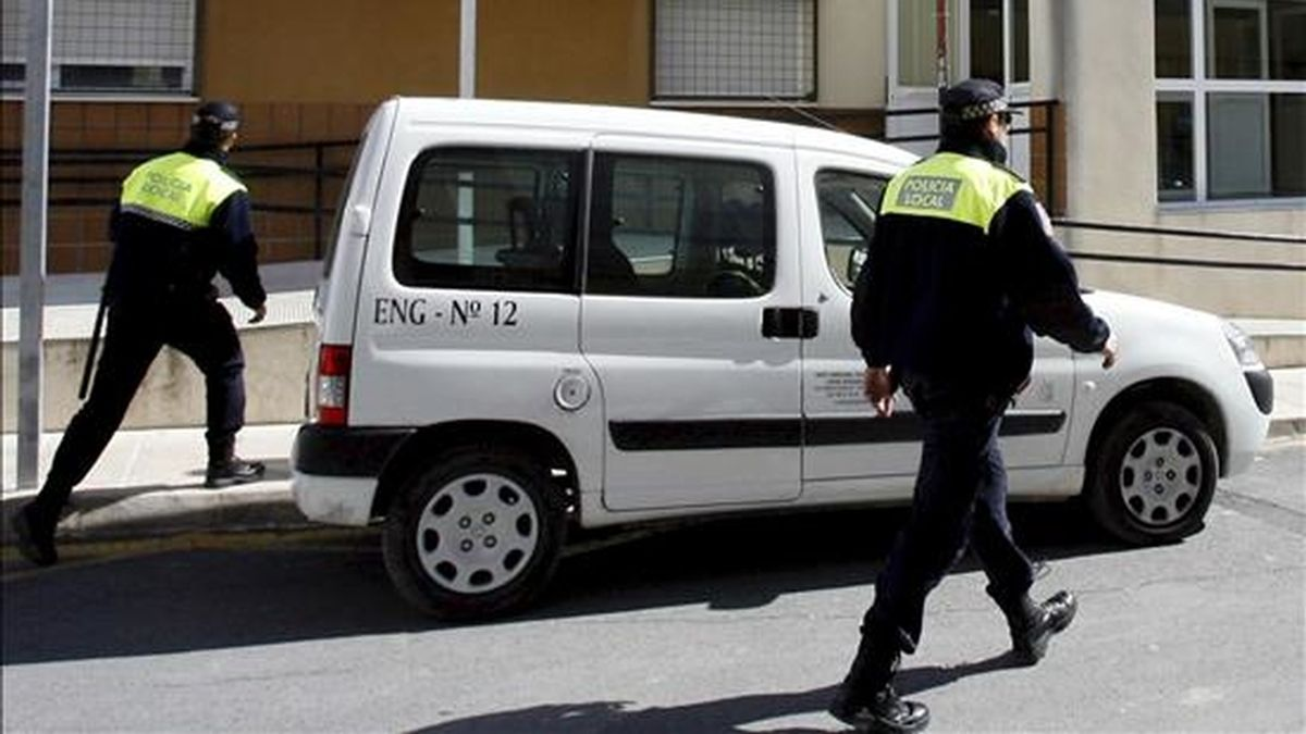 Dos policía locales de Murcia. EFE/Archivo