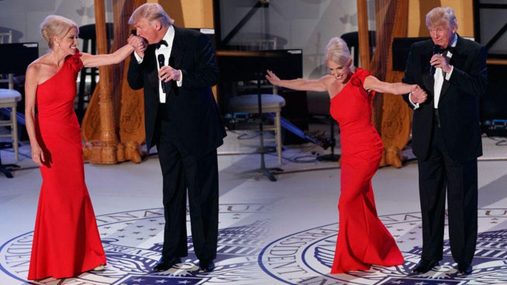 En la gala estuvieron con Kellyanne Conwaydirige, casi familia, su directora de campaña