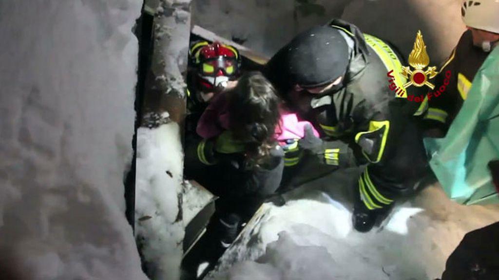 rescate supervivientes avalancha hotel Rigopiano