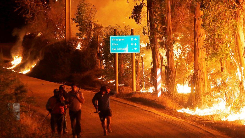 Continúa el incendio en el sur de Chile