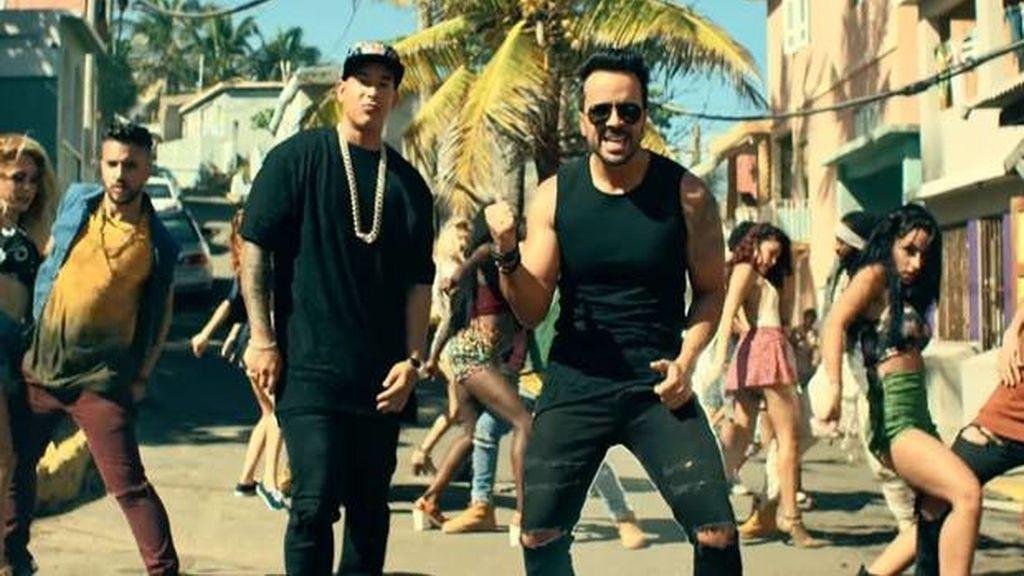 Luis Fonsi y Daddy Yankee en una imagen del videoclip de 'Despacito'