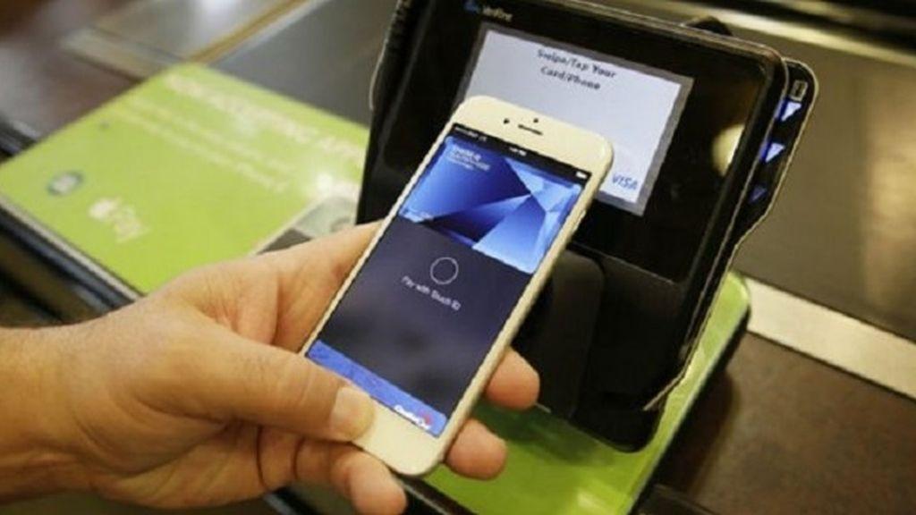 Una imagen de archivo de un pago móvil