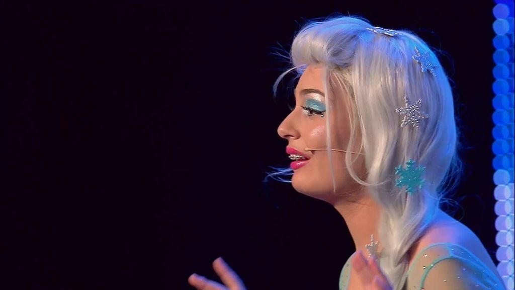 La princesa Esther nos deja 'helados' con su actuación de 'Frozen'