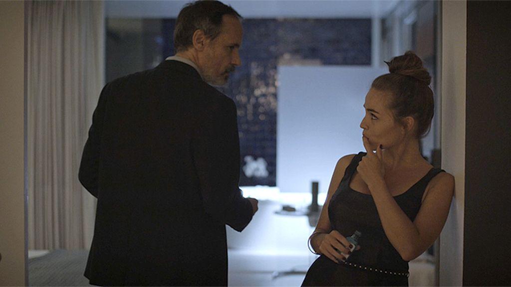 Elías tenía una suite en un hotel donde mantenía encuentros con una prostituta