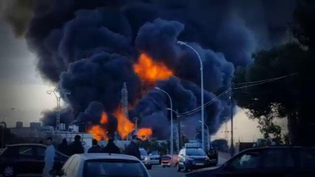 Inmensas bolas de fuego en Paterna