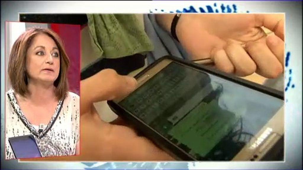 Jóvenes pegados al móvil: ¿cuándo es afición y cuándo adicción?