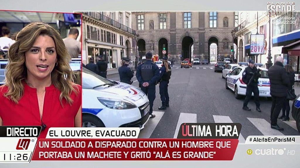 Un soldado francés dispara a un hombre que intentaba acceder al Louvre con una maleta