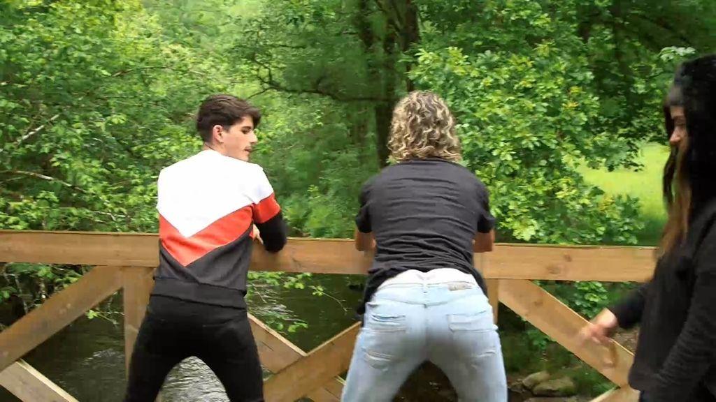 Dulceida y Sergi enseñan a Pablo tres pasos distintos de twerking