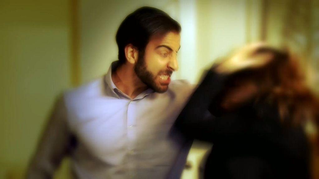 """Macarena: """"La primera agresión llegó el día antes de mi boda"""""""