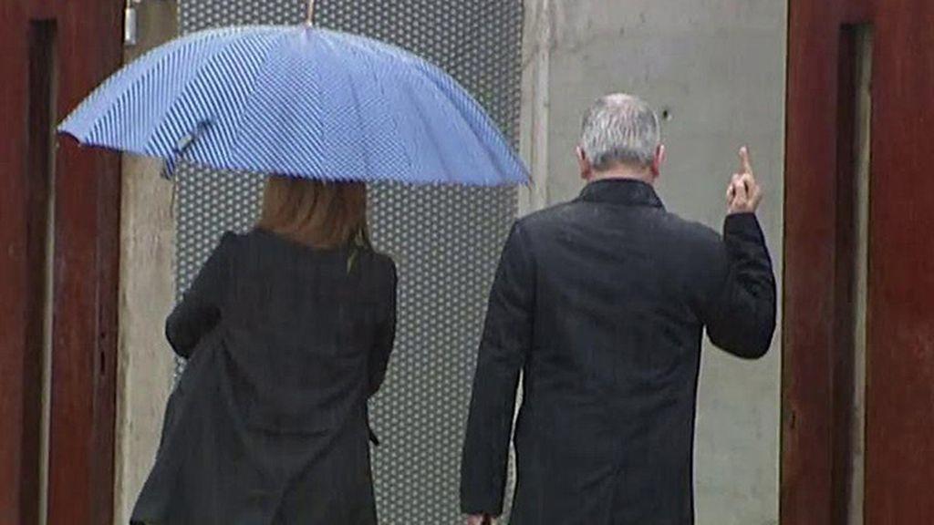 La peineta de Pablo Crespo a su llegada al juicio en la Audiencia Nacional