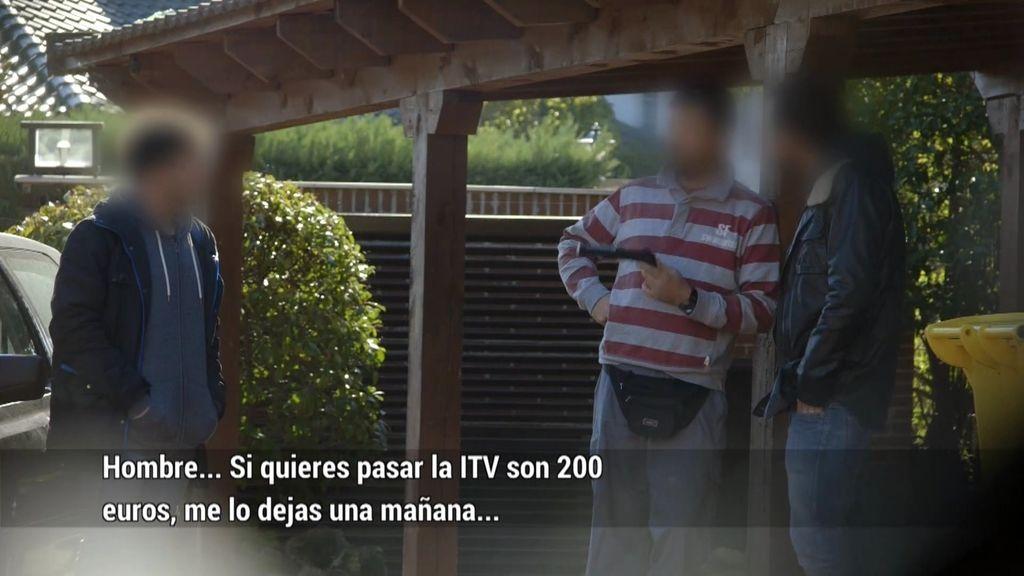 Un mecánico ilegal a domicilio cobra 200 euros por pasar una ITV