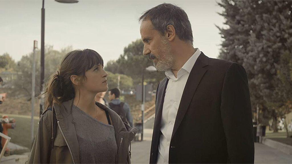 Juan Elías propone a Ana Saura que dirija la campaña contra su padre
