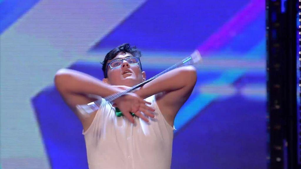 Rubén no convence con su 'twirling baton'