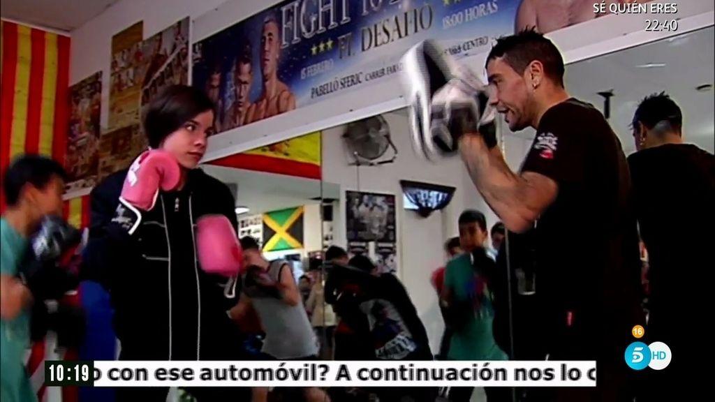 Boxeo contra el bullying: 'El Pera' habla con los niños de un gimnasio de Terrasa