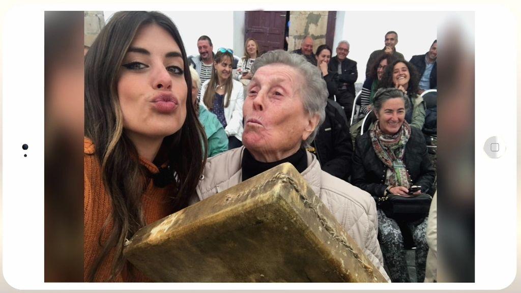"""Aless Gibaja y Dulceida enseñan a posar poniendo """"morritos de cerdo"""""""