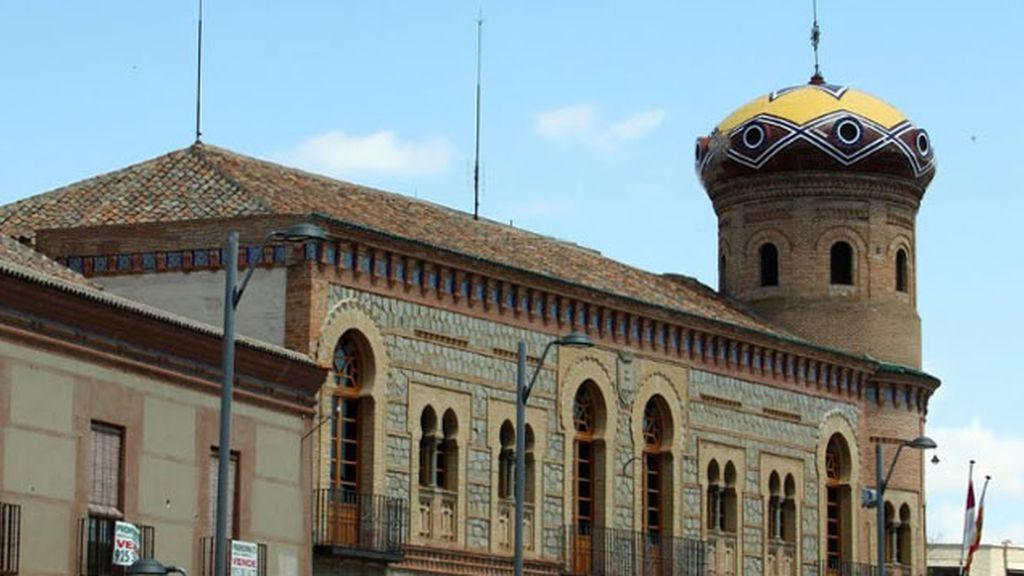 Ayuntamiento de Mora. Detenido un hombre por asesinar a su mujer en Mora, Toledo, delante de su familia