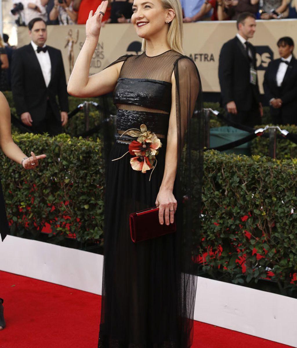 Todo en uno para el Dior de Kate Hudson: brilli, tranparencias y una gran flor