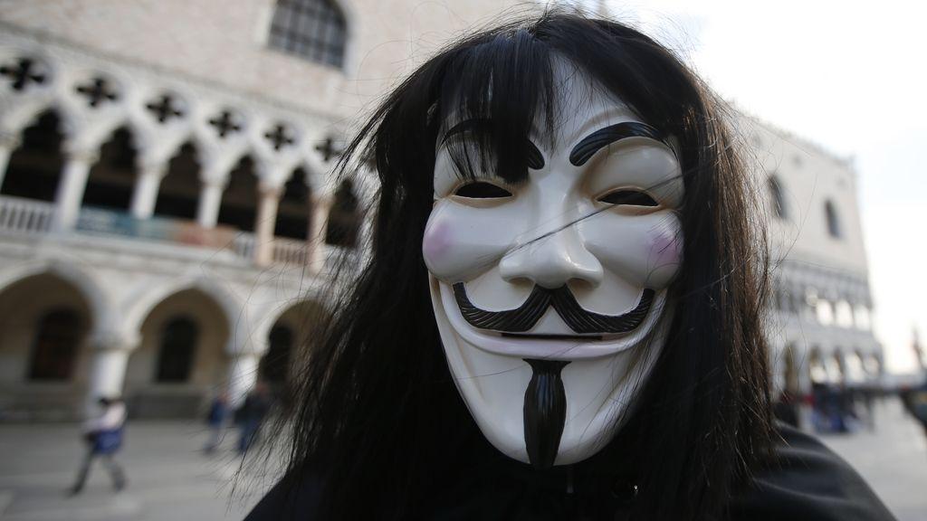 Anonymous se revela contra Trump