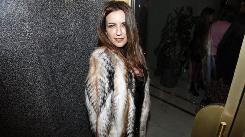 Bebe apareció en la fiesta con este glamouroso look