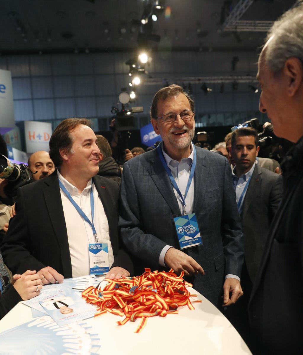 El presidente del PP, Mariano Rajoy, a su llegada al Congreso