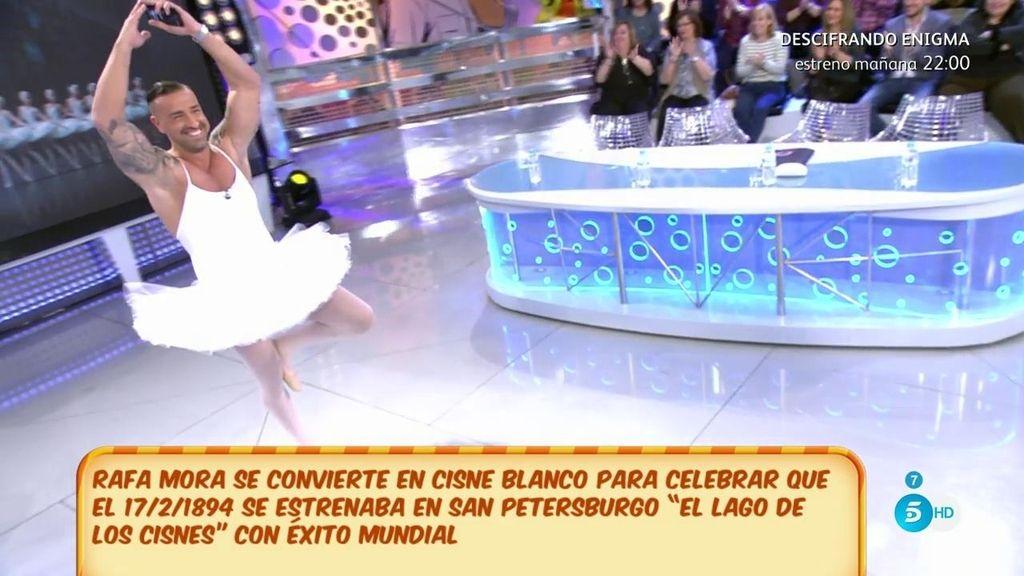Rafa Mora se convierte en toda una bailarina