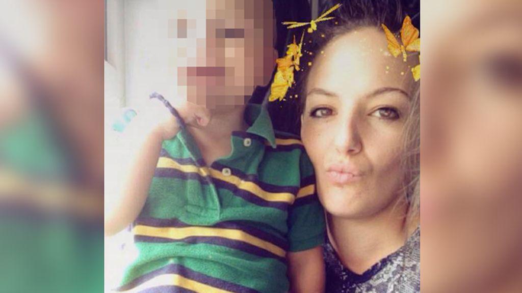 Muere de cáncer de útero después de que le negaran la citología por ser 'demasiado joven'