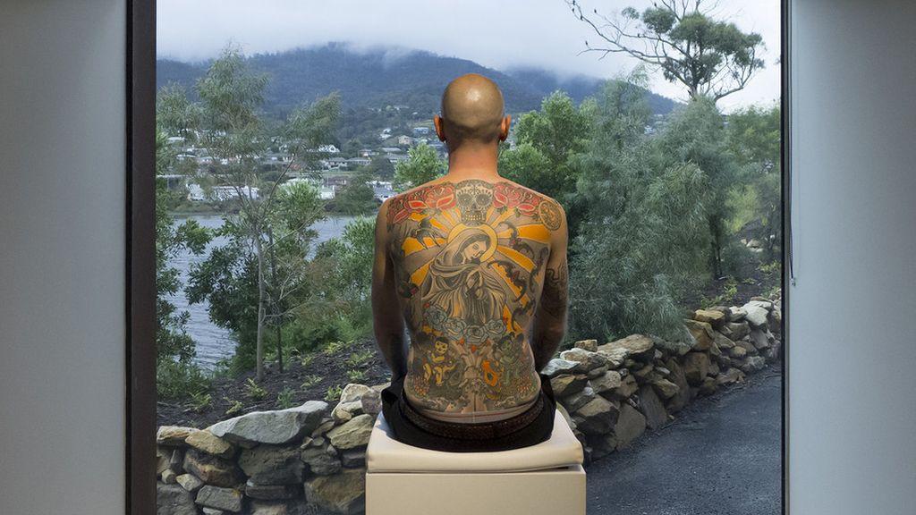 Una espalda como lienzo humano