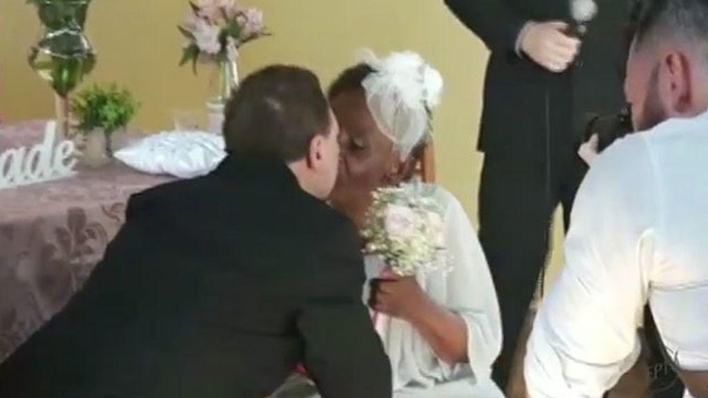 Se compromete por primera vez a los 106 años con un compañero de residencia