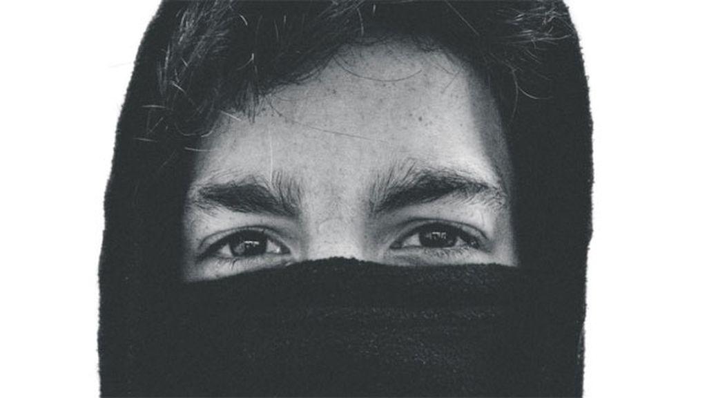 Un joven fotógrafo muere al caer de un puente al tratar de captar una imagen única