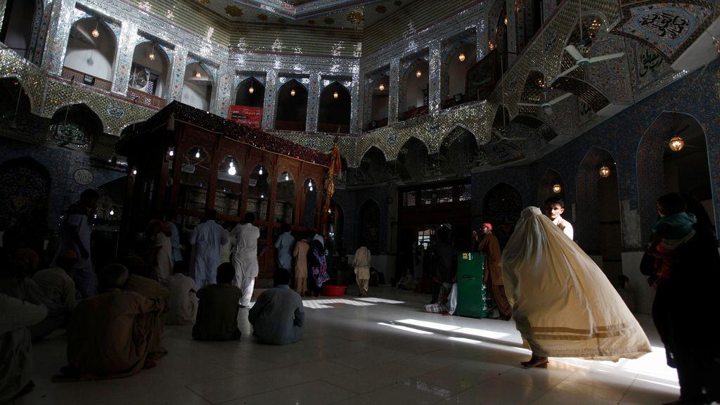 Mueren 72 personas en un ataque suicida del Estado Islámico en Pakistán