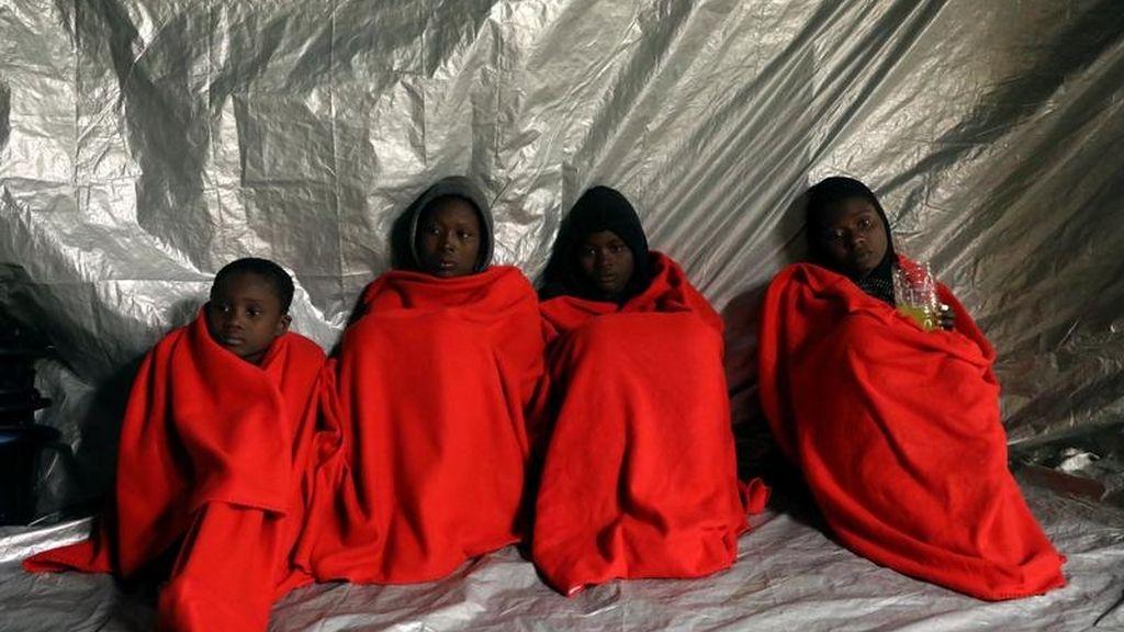 Rescate de 104 inmigrantes en el mar Mediterráneo