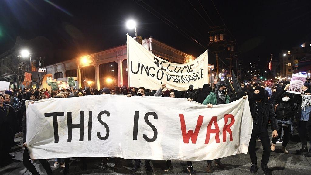 Protestas en Berkeley contra un autor ultraderechista
