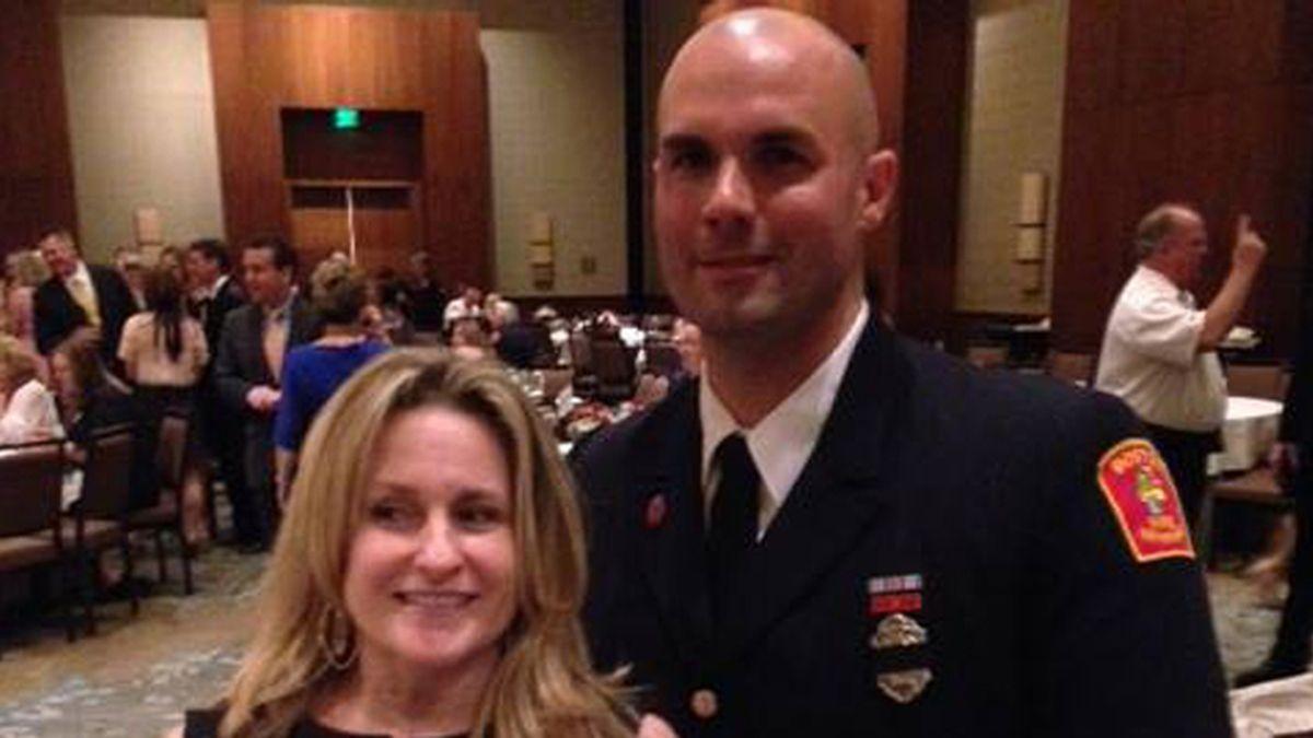 Se casa con el bombero que le salvó la vida durante el atentado de Boston