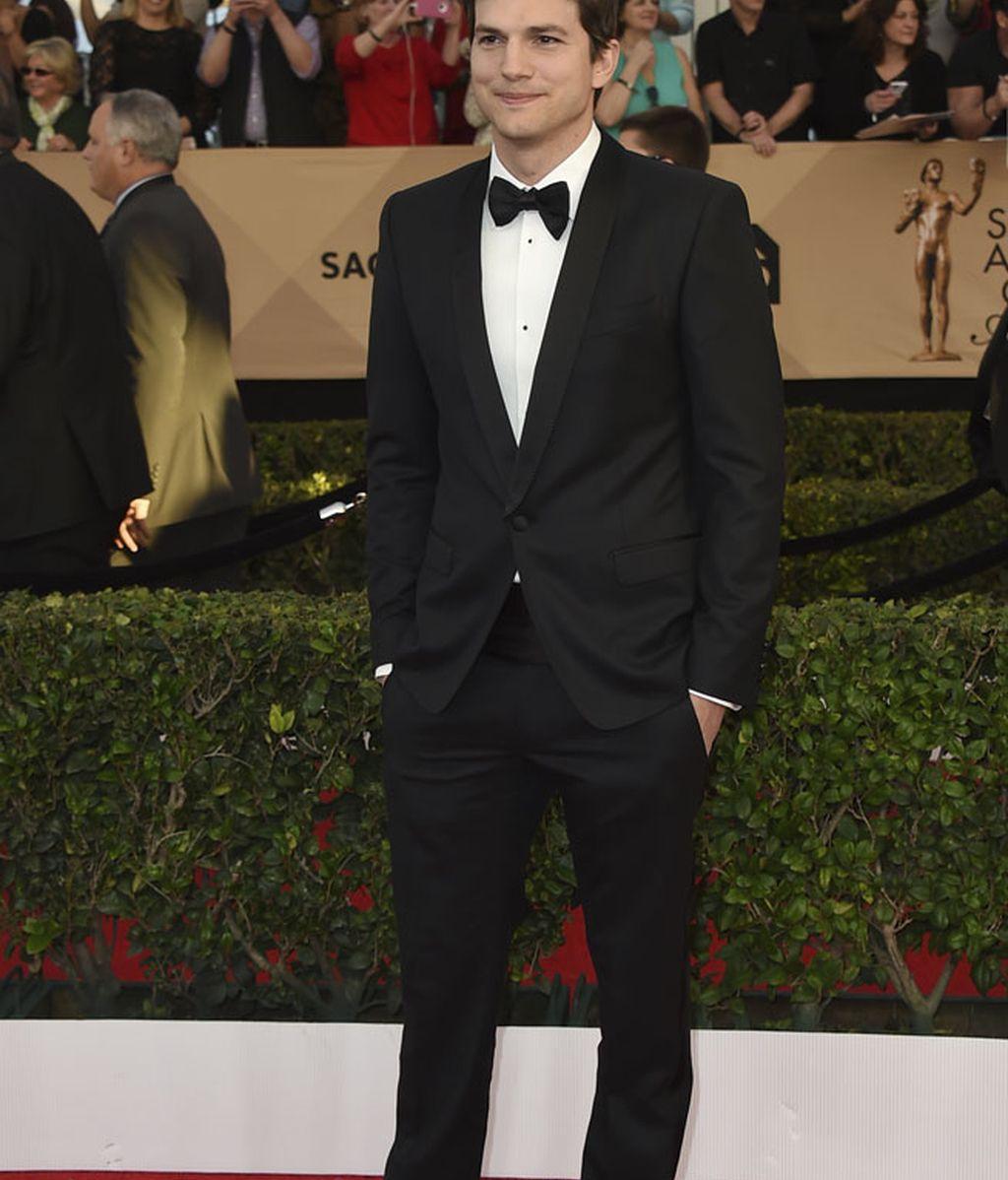 Ashton Kutcher fue el encargado de abrir la ceremonia