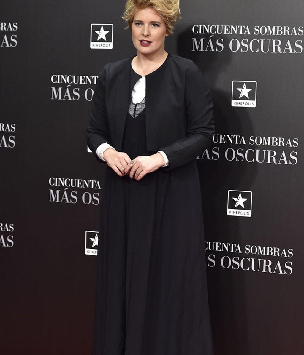 Las sandalias de Tania Llasera: perfecta para la ocasión en clave de negro