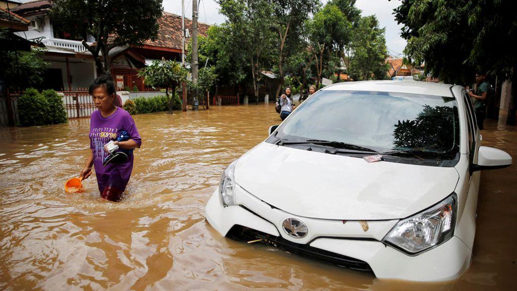 Destrozos por inundaciones en Yakarta