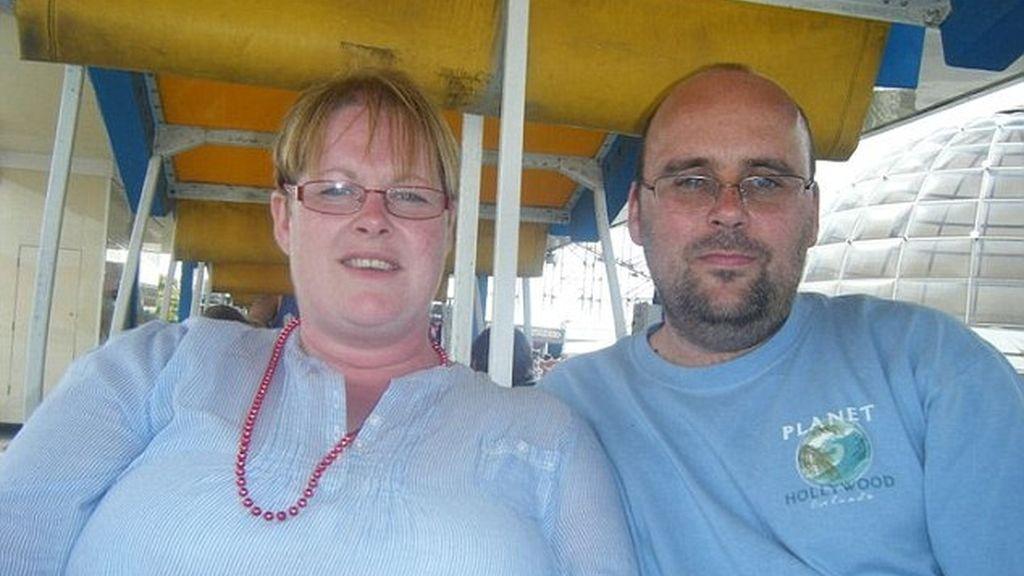 Una mujer estafa 38.000 euros y se descubre por una fotografía en Facebook