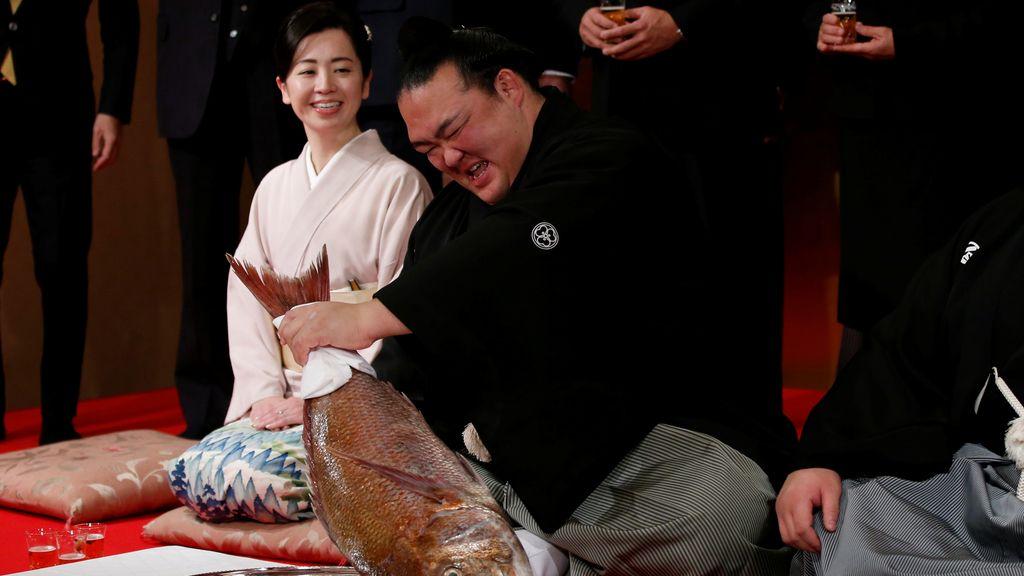 Kisenosato, 'gran campeón' de sumo
