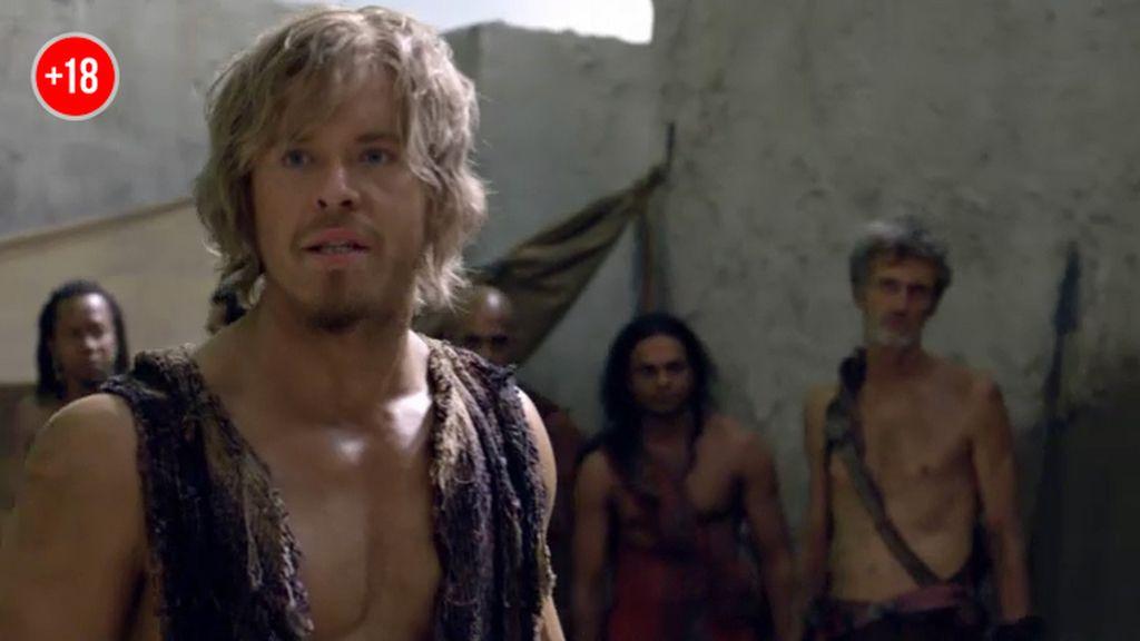 César lucha contra Gannicus
