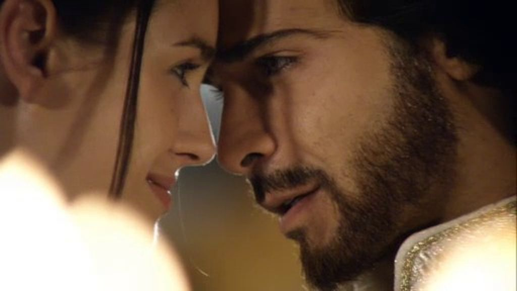 Sherezade consigue deshacer el maleficio de Namuna y volver a enamorar a Aladino