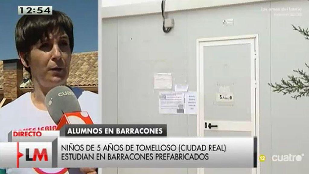 Un grupo de padres denuncia que sus hijos estudian en barracones prefabricados