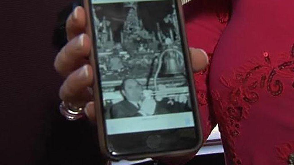 Terelu enseña una foto de su padre celebrando la Semana Santa