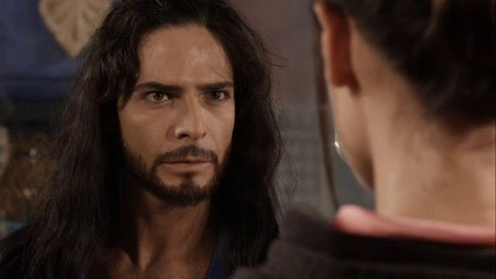 Sherezade consigue que Aladino le conceda una noche más para terminar el cuento