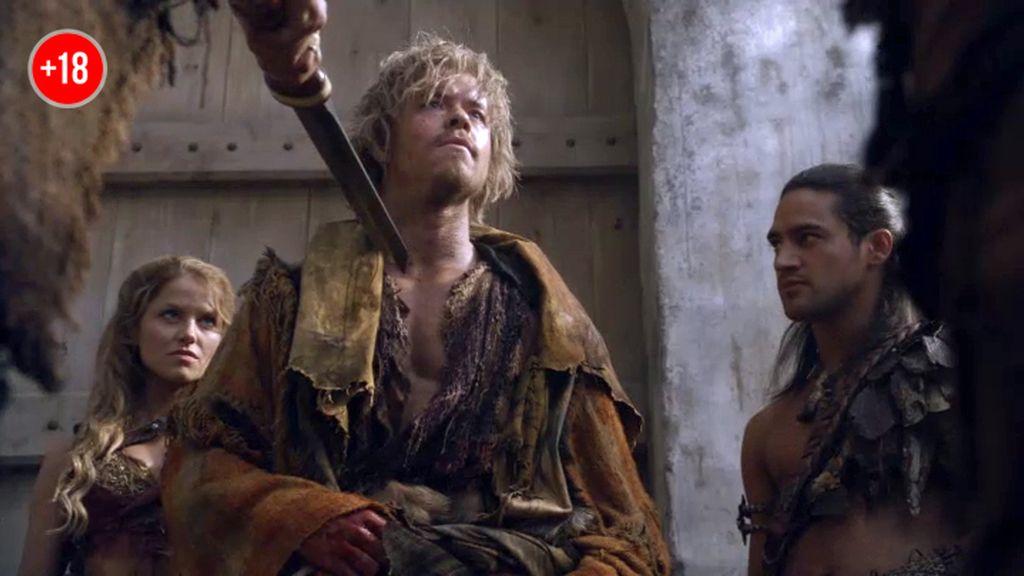 Julio César se cuela en la ciudad de Espartaco haciéndose pasar por un esclavo