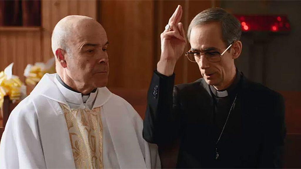 Paco confiesa que no es el padre Ángel