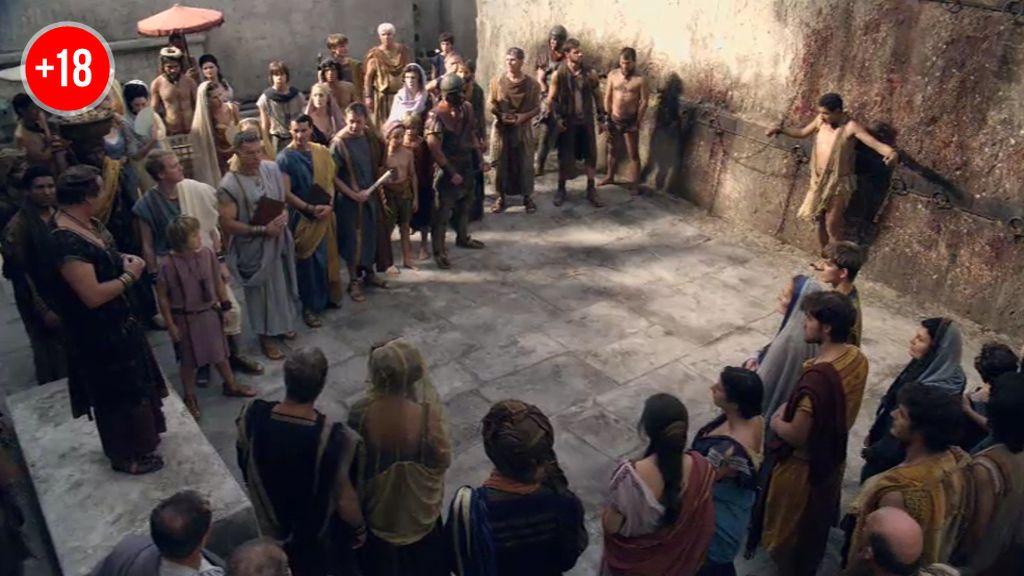Espartaco es testigo de la lapidación a un esclavo que se había escapado